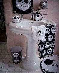 Modern Halloween Decorating Ideas For Your Bathroom12