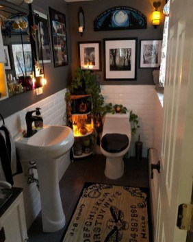 Modern Halloween Decorating Ideas For Your Bathroom27