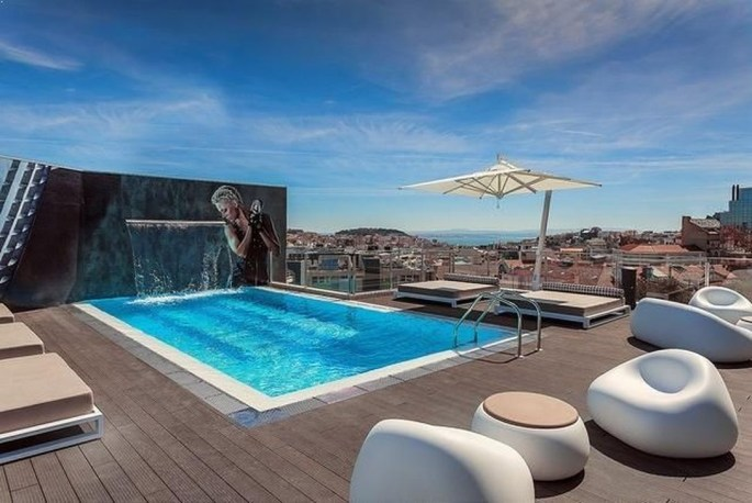 Most Amazing Rooftop Pools That You Must Jump In At Least Once14