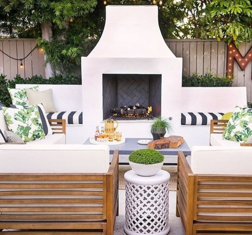 Relaxing Outdoor Fireplace Designs For Your Garden09
