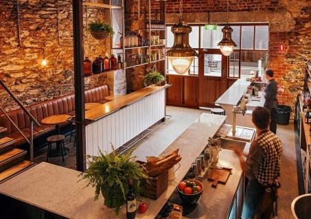 Unique Outdoor Kitchen Ideas For Excellent Restaurants33