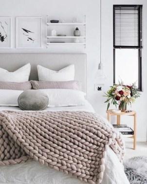 Cozy Rustic Bedroom Interior Designs For This Winter33