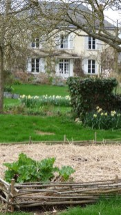 Helpful Tips For Autumn Update Of Your Garden01