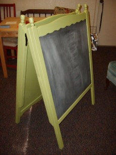 Inspirational Ways How To Repurpose Old Babys Cribs03
