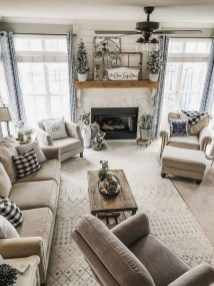 Warm Rustic Family Room Designs For The Winter28
