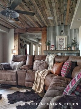 Warm Rustic Family Room Designs For The Winter34