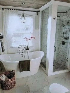 Amazing Small Apartment Bathroom Decoration You Can Try11