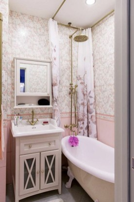 Amazing Small Apartment Bathroom Decoration You Can Try17