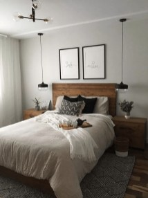 Amazing Small Apartment Bedroom Decoration Ideas31