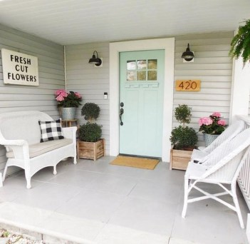 Beautiful And Colorful Porch Design22