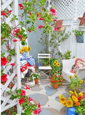 Beautiful And Colorful Porch Design30