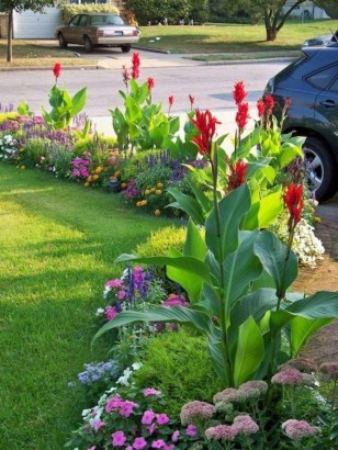 Beautiful Simple Front Yard Landscaping Design Ideas02