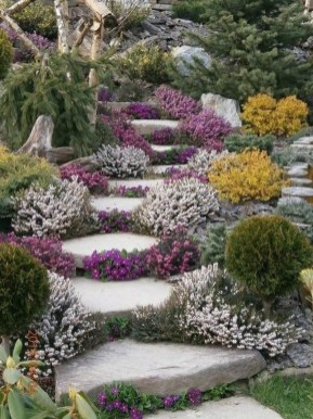 Beautiful Simple Front Yard Landscaping Design Ideas19