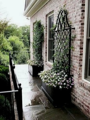 Beautiful Simple Front Yard Landscaping Design Ideas20