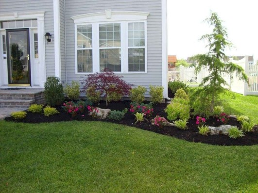 Beautiful Simple Front Yard Landscaping Design Ideas27
