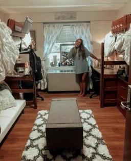 Efficient Dorm Room Organization Ideas13