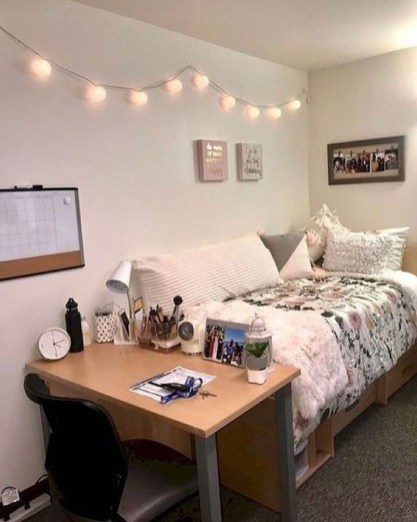 Efficient Dorm Room Organization Ideas43