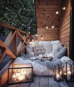 Elegant And Cozy Balcony Ideas16