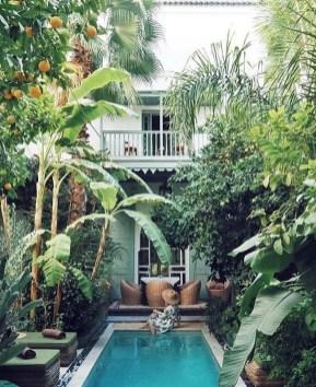 Luxury And Elegant Backyard Pool08