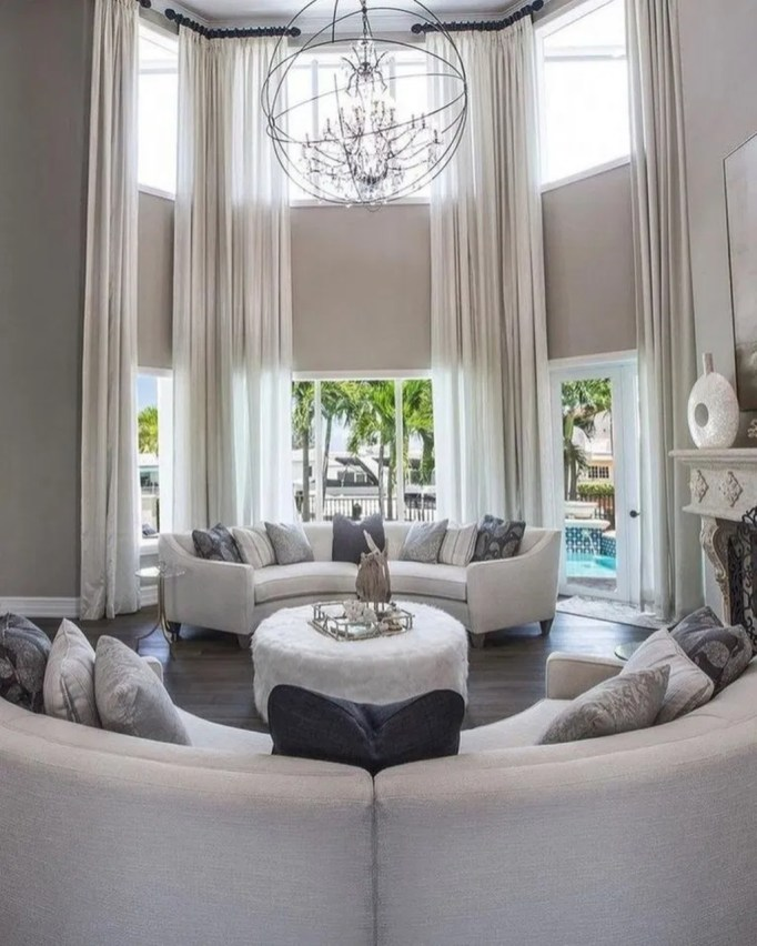 Luxury And Elegant Living Room Design16