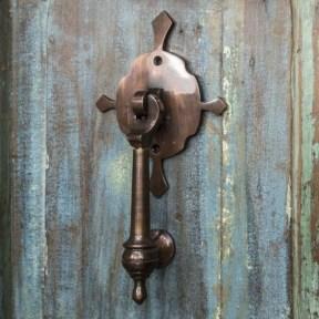 Unique And Elegant Door Decoration Ideas23