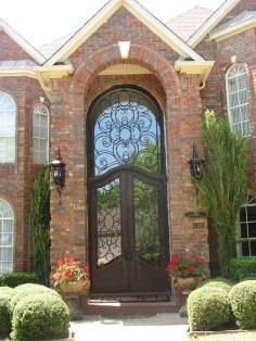 Unique And Elegant Door Decoration Ideas30