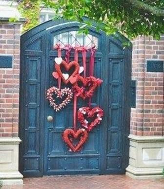 Unique And Elegant Door Decoration Ideas34