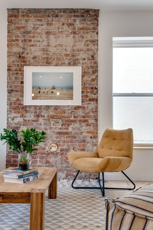 Awesome Brick Expose For Living Room40