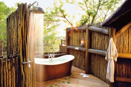 Awesome Outdoor Bathroom Ideas33