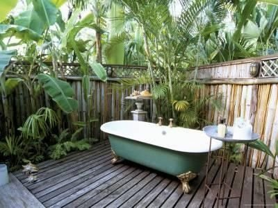 Awesome Outdoor Bathroom Ideas34