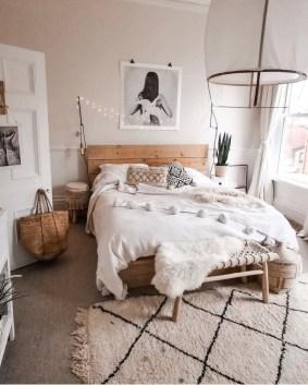 Luxury And Elegant Apartment Bed Room Ideas24