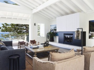 Modern Beach House Ideas13