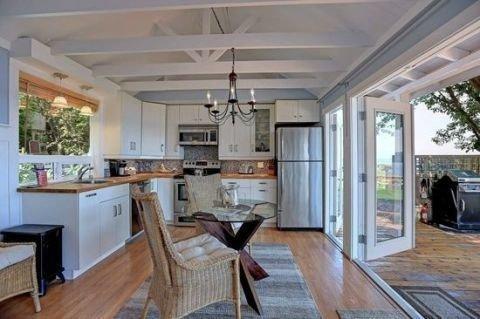 Modern Beach House Ideas23