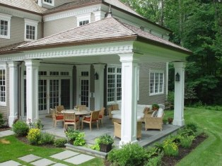 Traditional Porch Decoration Ideas03
