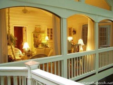 Traditional Porch Decoration Ideas04