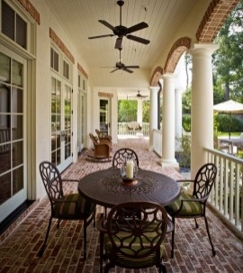 Traditional Porch Decoration Ideas05