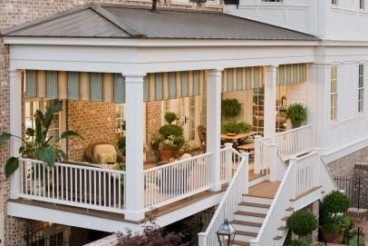 Traditional Porch Decoration Ideas06