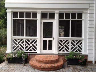 Traditional Porch Decoration Ideas11
