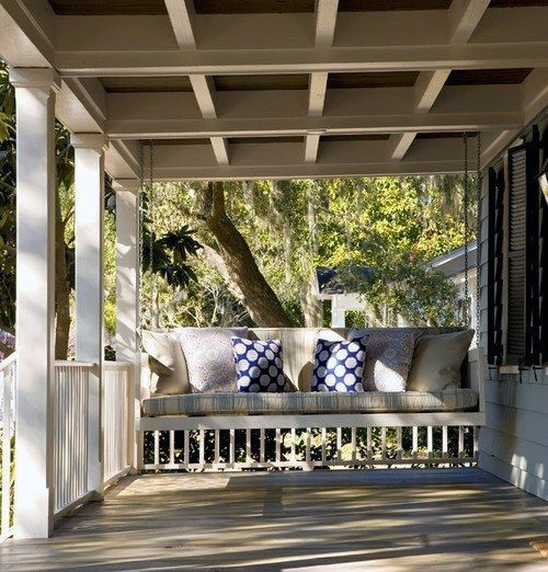 Traditional Porch Decoration Ideas15