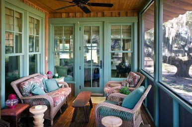 Traditional Porch Decoration Ideas18
