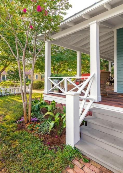 Traditional Porch Decoration Ideas22