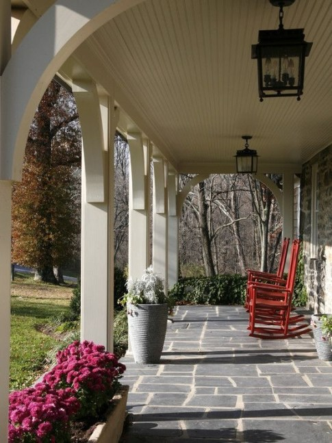 Traditional Porch Decoration Ideas30