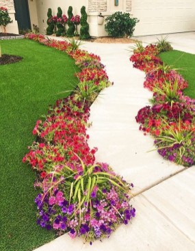 Beautiful Simple Front Yard Landscaping Design Ideas16
