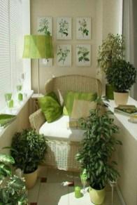 Cozy And Beautiful Green Balcony Ideas10