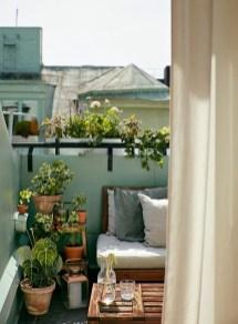 Cozy And Beautiful Green Balcony Ideas11