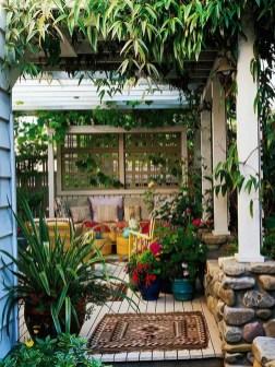 Cozy And Beautiful Green Balcony Ideas16