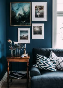 Cozy And Luxury Blue Living Room Ideas03