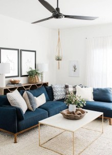 Cozy And Luxury Blue Living Room Ideas04