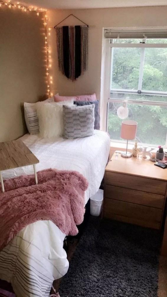 Efficient Dorm Room Organization Ideas40