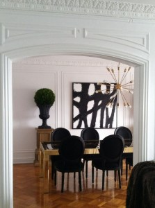 Luxurious Black And Gold Dining Room Ideas For Inspiration31